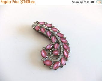 50% off Sale ON SALE Vintage Pink Rhinestone Sweater Clip