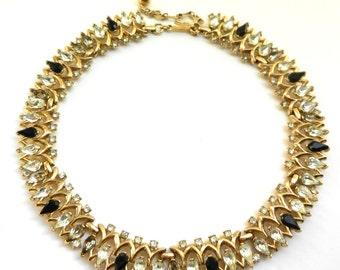 Fabulous TRIFARI Signed white and black Pear shaped RHINESTONES Vintage Necklace - choker in Trifarium gold and Rhinestones - art.589/4