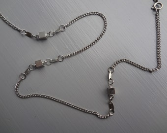 Vintage Silver-tone Chain Necklace and Bracelet Set with Geometric Accents