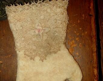 Sweet Vintage lace Cotton Woolen Mitten Christmas Ornament C