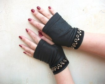 Black fingerless gloves  short with buttons