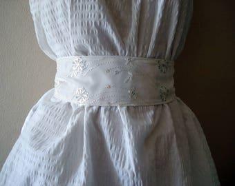 White wedding sash belt, Ribbon belt wide Lace Embroidered belt Flower and Silver Sequin Bridal belt