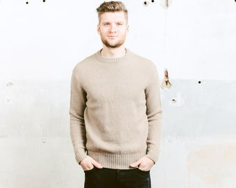Men's SWEATER . Vintage Wool Sweater Beige Pullover 90s Mens Chunky Knit Sweater Boyfriend Gift . size Medium M