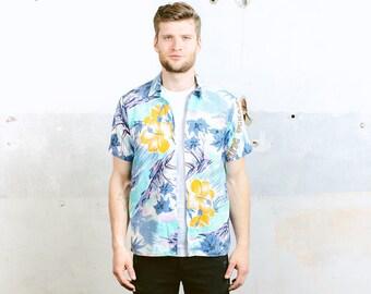 Mens Hawaiian Shirt . Vintage 60s Aloha Shirt Pattern Shirt Tropical Beach Button Down Shirt Abstract Print Short Sleeve Shirt . size Medium