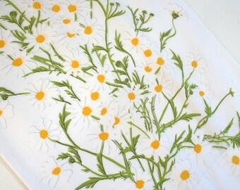 Vera Newmann daisy pillowcase. Vera bedding, retro bedding, retro floral pillov case, 1970s pillow case, daisies, flowers, yellow, green