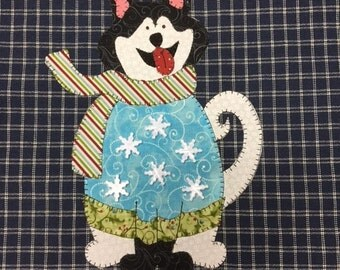 Lola the Husky In a Sweater, a Sweet Dog PDF Applique Pattern for Tea Towel by Quilt Doodle Designs