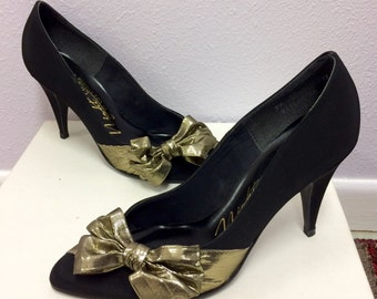 80s Gold Bow Black Heels Party  Dress Shoes Holiday Christmas 7 1/2 Vintage 1980s Life Stride