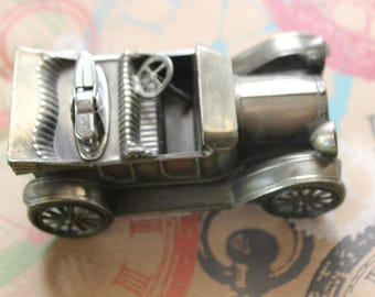 Vintage Japan 1913 Chevrolet Table Cigarette Lighter