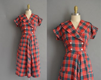 Summer picnic 50s red and green plaid cotton vintage dress. vintage 1950s dress