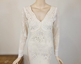 Long Sleeve Bohemian Wedding Dress Ivory Lace Wedding Dress VINTAGE Inspired Wedding Dress Mermaid BOHO Wedding Dress Handmade Sz Small