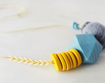 Necklace: The Geometric Series – Clara