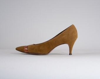 Vintage 1960s Umber Suede Shoes - Life Stride Snakeskin - Size 6.5 N or 5