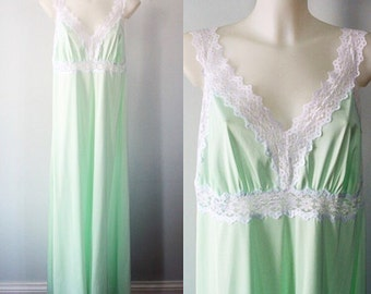 Vintage Mint Green Long Nightgown, Vintage Nightgown, Lingerie, 1970s Nightgown, Nightgown, Lingerie