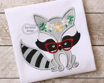 Raccoon flower glasses applique embroidery design