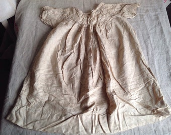 Antique Baby Gown, Victorian Silk Unbleached Christening Gown / Baby Dolls & Bears