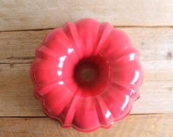 Vintage Red Aluminum Bundt Pan