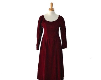 sale // Vintage 70s Juliet Crimson Red Velvet Party Dress - Women XS Small - holiday, Christmas dress