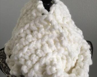 Fluffy Cloud Extra Chunky Cowl