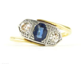 Antique Oval Sapphire & Old Mine Cut Diamond Three Stone Ring, Bypass Style Vintage Engagement Ring. Circa 1900, 18ct PLAT.