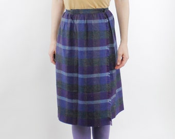 Vintage 80's lightweight acrylic plaid skirt, flannel texture, purple / gray / blue, frayed edge detail in front - XS / Small
