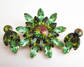Vintage Green Rhinestone Large Brooch & Clip On Earrings Set