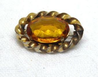 Vintage to Antique Pin With Amber Glass Stone In Twisted Bezel
