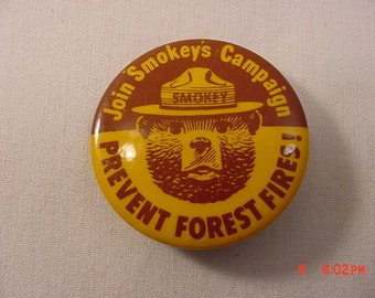 Vintage Smokey The Bear Prevent Forest Fires Pin Back  17 - 281
