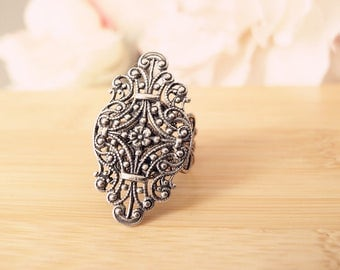 Victorian filigree Ring-Aged brass-adjustable-steampunk-hauted couture-Victorian-edgy chic- statement-armor ring V062