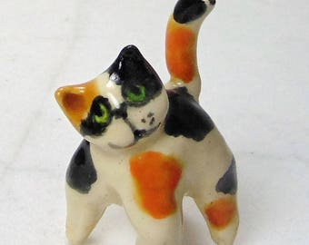 Calico Cat Terrarium Miniature - Miniature Terrarium Figurine - Kitten Miniature - Pottery Cat - Calico Kitten - Terrarium animal