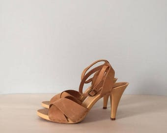 30% OFF SALE... almond leather strappy sandals | criss cross ankle straps platform heels | size 7.5