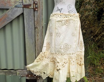 "lush cream embroidered skirt - bohemian - romantic - baroque - arty - 34"" waist/ hip"