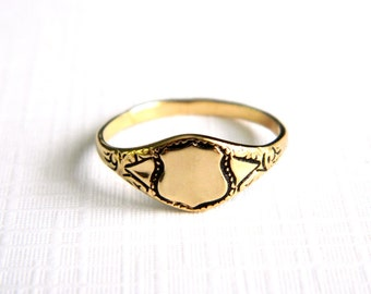 Vintage Victorian Insignia Gold Initial Ring - Blank Shield Signet - Engraveable - Monogram - NOS - Size 4 5
