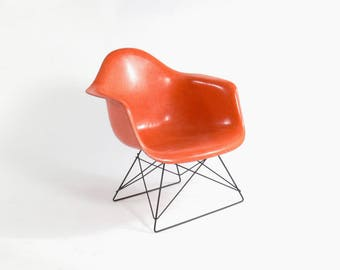 "Eames for Herman Miller Fiberglass ""Cats Cradle"" Low Lounge-LAR"