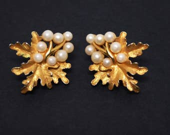 Oak Leaves & Pearl Beads Earrings - Clip ons with Leaf and Faux Pearl Bead Design - Designer signed Trifari - Vintage 1960's