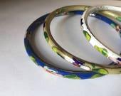 Set or lot of three vintage cloisonné enamel flower bangles or bracelets - eau de nil / blue / white backgrounds