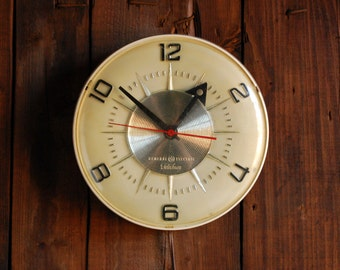 Midcentury Deco GE Telechron Clock, The Symmetry 2H107 1954 General Electric Wall Clock