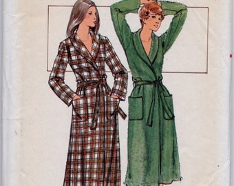 Front Wrapped Robe Sewing Pattern - Butterick 5165 - Size 12 - UNCUT