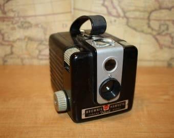 Vintage camera Kodak Brownie Hawkeye flash model - item #2463