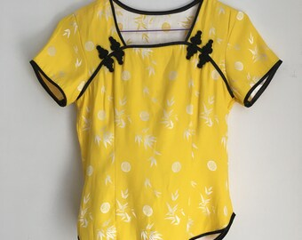 XS Cutest Yellow Cheongsam / Qipao Top w/ Frog Closures and Black Trims