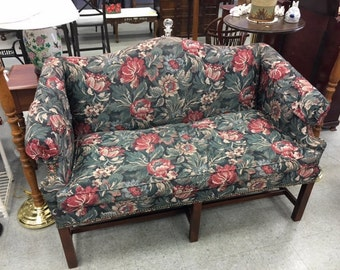 Sofa / Couch / Loveseat