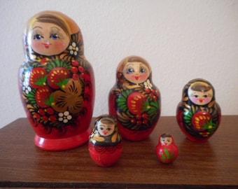 Russian Nesting Dolls Matryoshka 5 Doll Set Red
