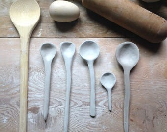 handmade ceramic spoon set in varying sizes