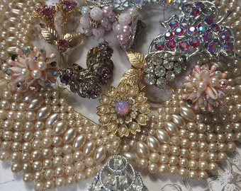 Vintage 10 Piece Brooch and Earring Lot, Pearl Collar, Estate Pins and clip on Earrings Assortment
