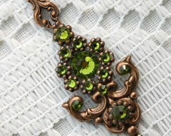 Olive Bindi in Oxidized Copper