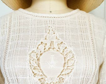 vintage-style 'burano' cotton loose-weave short-sleeve linen blouse with lace front and sleeves, button-down back