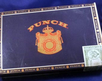 Vintage Punch Pitas English Market Selection Cigar Box, 1970s (empty)