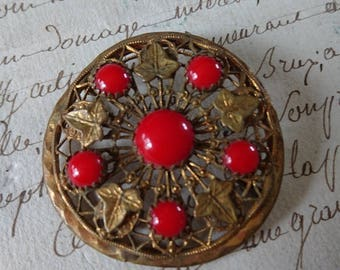 Sweet antique French brooch with gilded Ivy leaves and scarlet stones c1900