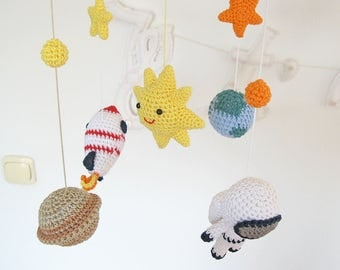 Space Baby Mobile, Crochet Space Nursery Mobile Decoration with Solar System, Sun, Stars, Planet Earth & Saturn, Astronaut, Rocket