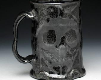 Gothic Blackout Metallic Skulls Pint Mug