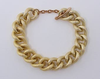 Vintage 1975 Signed Avon Gilded Links Goldtone Chunky Traditional Classic Textured Chain Bracelet